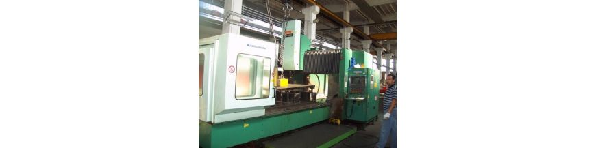 Gantry type machining centers